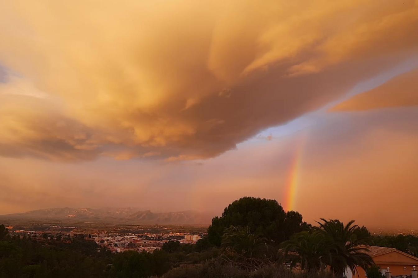 Sonnenaufgang in Katalonien. Foto: Andrea Eimke.